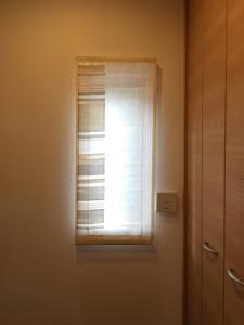 玄関の小窓